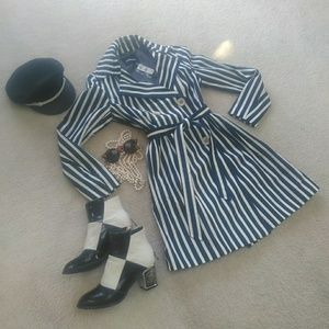 EXPRESS/NAVY & IVORY STRIPE TRENCH COAT/NWT